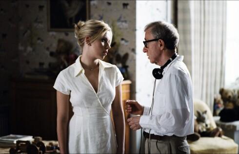 Woody Allen og Scarlett Johansson fra innspillingen av Match Point. Foto: Scanbox Entertainment