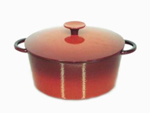Gryte med lokk i støpejern og emalje fra Staub tar fem liter (kr 1000, Kitch'n).
