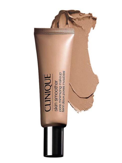 Foundation fra Clinique som forminsker store porer og gir en matt, naturlig overflate. Finnes i 12 nyanser (kr 225).