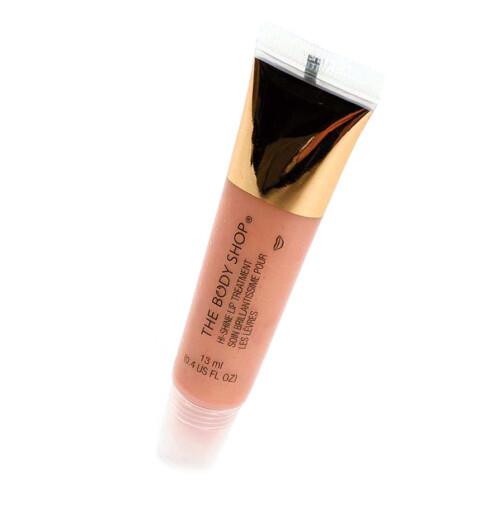 Lipgloss i dus rosa fra Body Shop, Hi-shine Lip Treatment (kr 100).