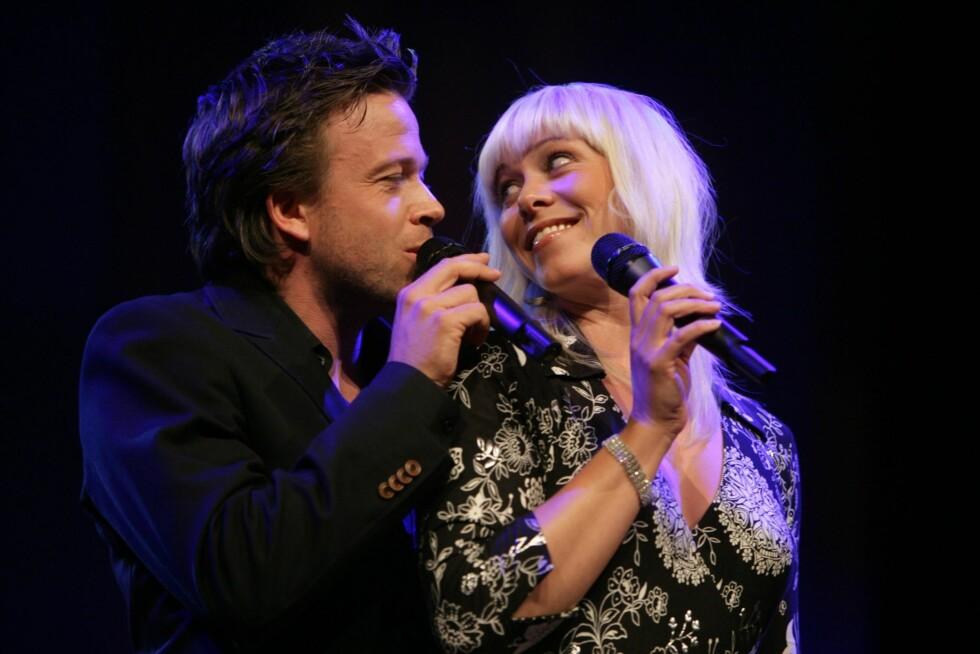 Samboerparet Kåre Conradi og Marian Aas Hansen sto for den musikalske delen av underholdningen.