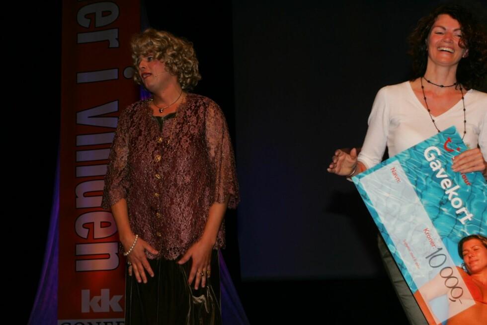 Linda Johansen, tidligere Miss Vesterålen trakk ut to i salen som fikk gavekort på Syden-tur.