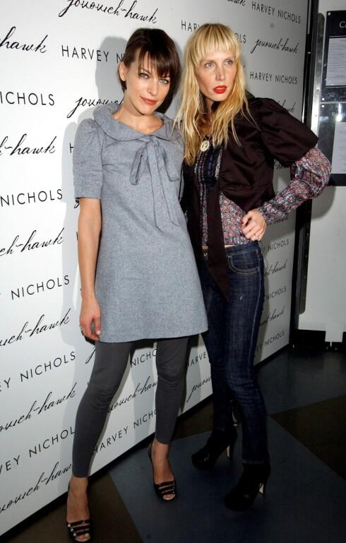 Millla Jovovich  og Harvey Nicols på en av Londons it-fester.