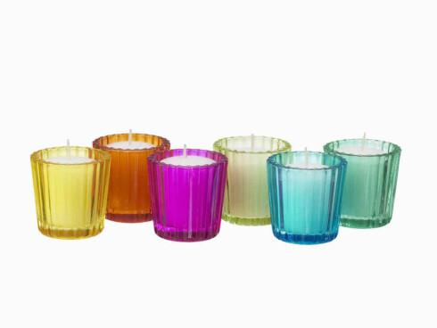 Fargerikt Lysholderne «Sommar» i glass til små kubbelys (kr 40 for 6 stk., Ikea).