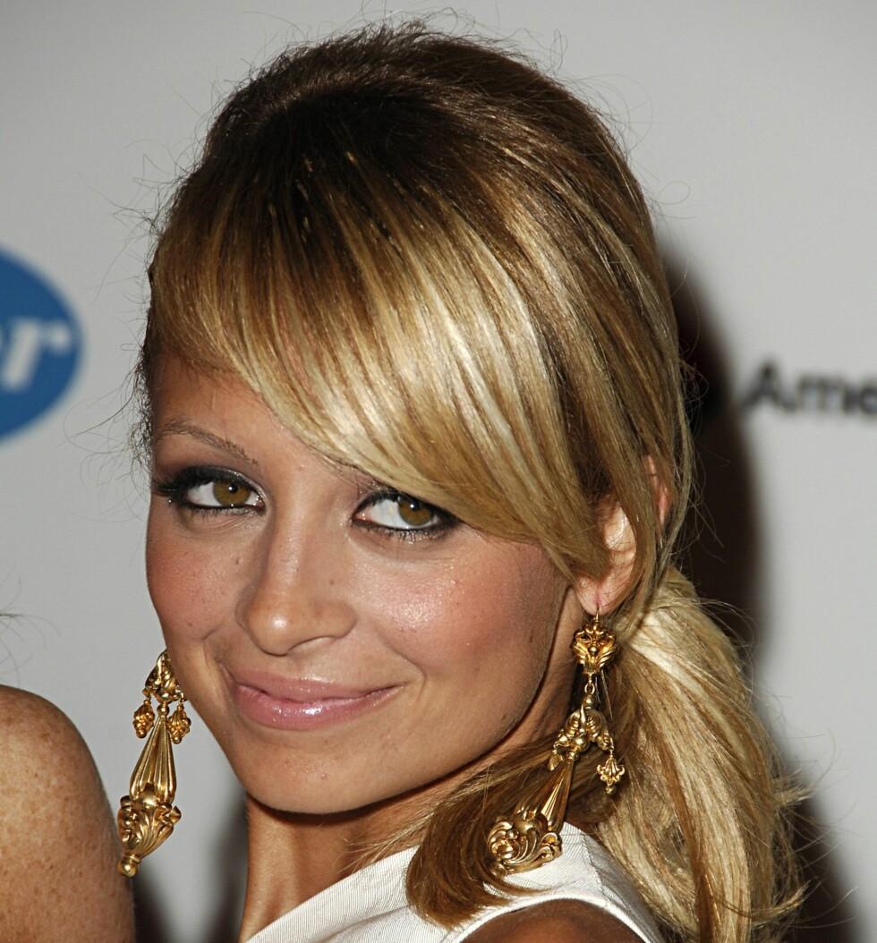 Lang ørepynt er superhot denne sesongen. Se bare på Nicole Richie.