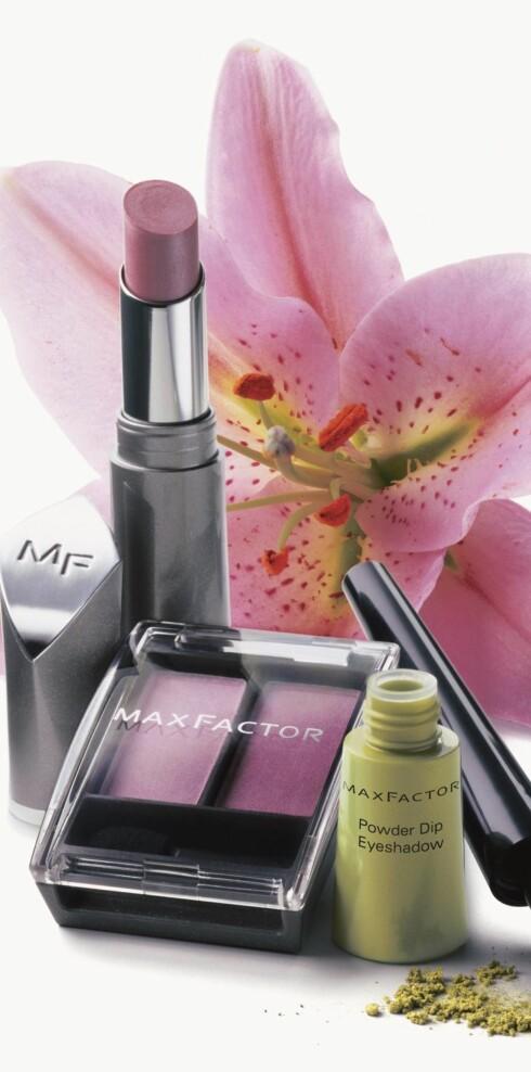Sommerlooken fra Max Factor er i rosa farger. Lipstick, kr. 110 og øyeskygge, kr. 89.
