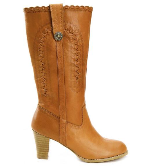 Brune støvletter passer til nesten alle antrekk (kr 400, Din Sko).