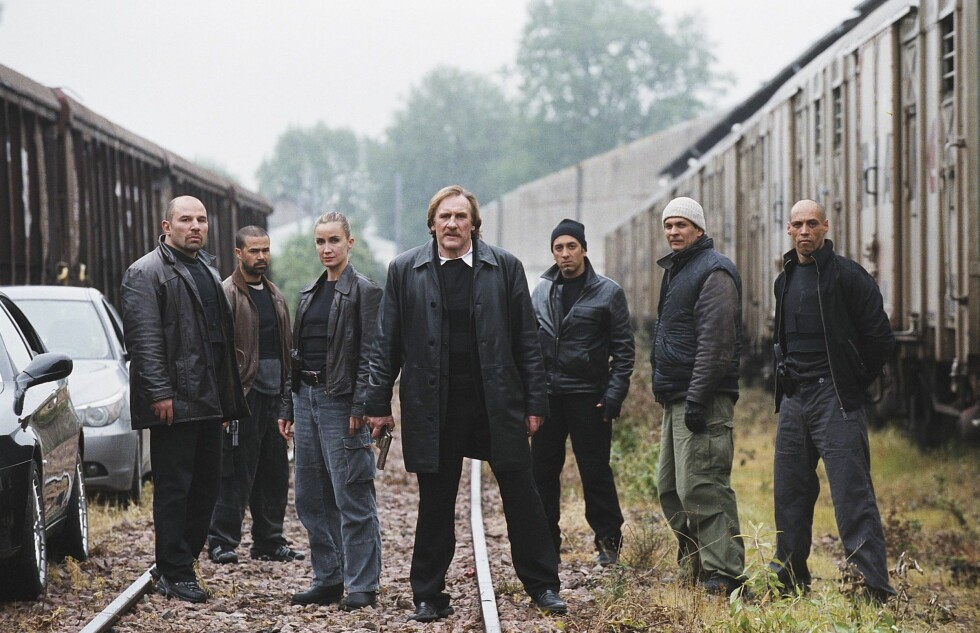 Gerard Depardieu (midten) spiller en bitter, voldelig politimann.