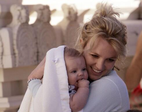 Britney med sønnen Sean Preston. Nå får Sean en liten bror eller søster.