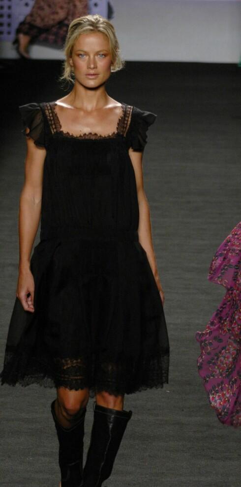Anna Sui vår og sommer 2006.