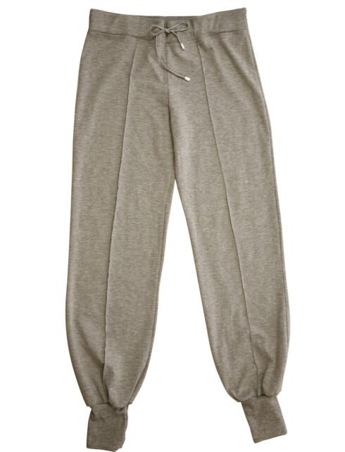 Behagelig og romslig bukse (kr 500, Gant).