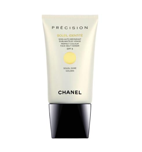 Selvbruningskrem fra Chanel for ansiktet i to ulike nyanser, Doré og Intense (kr 295/50 ml).