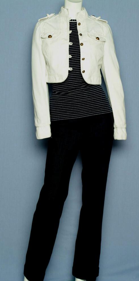 Jakke (kr 300, Cubus), T- skjorte (kr 250, Vivekes), bukse (kr 250, H&M