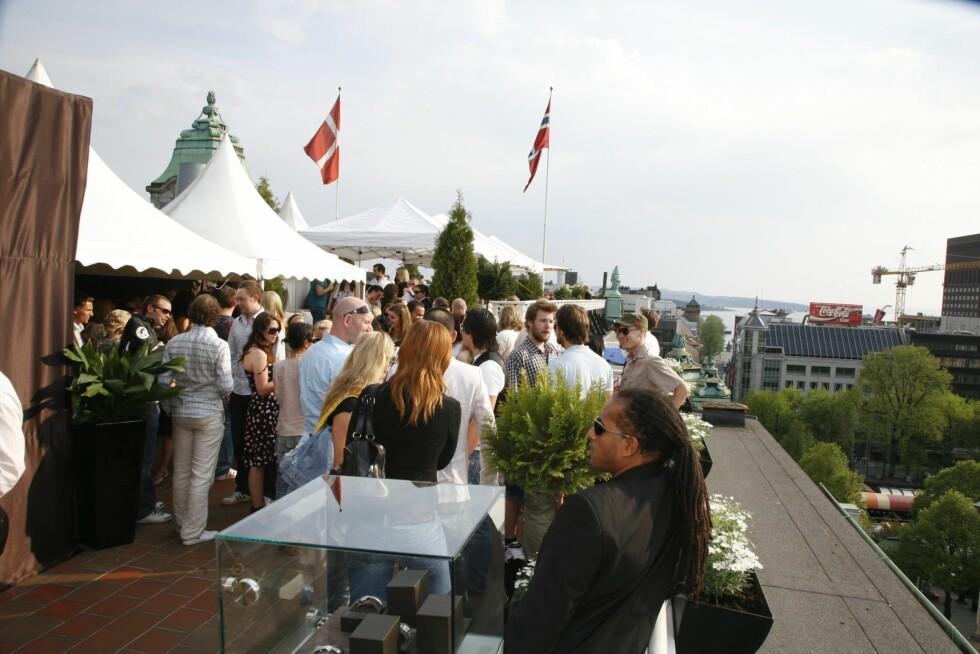 Topp stemning på toppen av Grand Hotel.