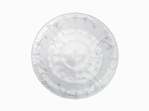 Glasstallerkenen «Strå», designet av Maud Gjeruldsen Bugge, er en variasjon over et tradisjonelt mønster (kr 250, Hadeland Glassverk).