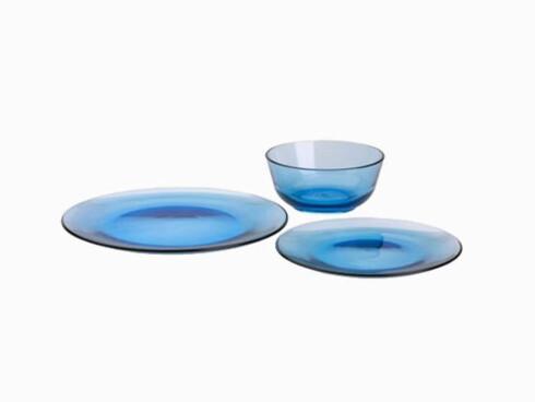 Serviseserien «Syntes Glas» (kr 275 for 18 deler, Ikea).