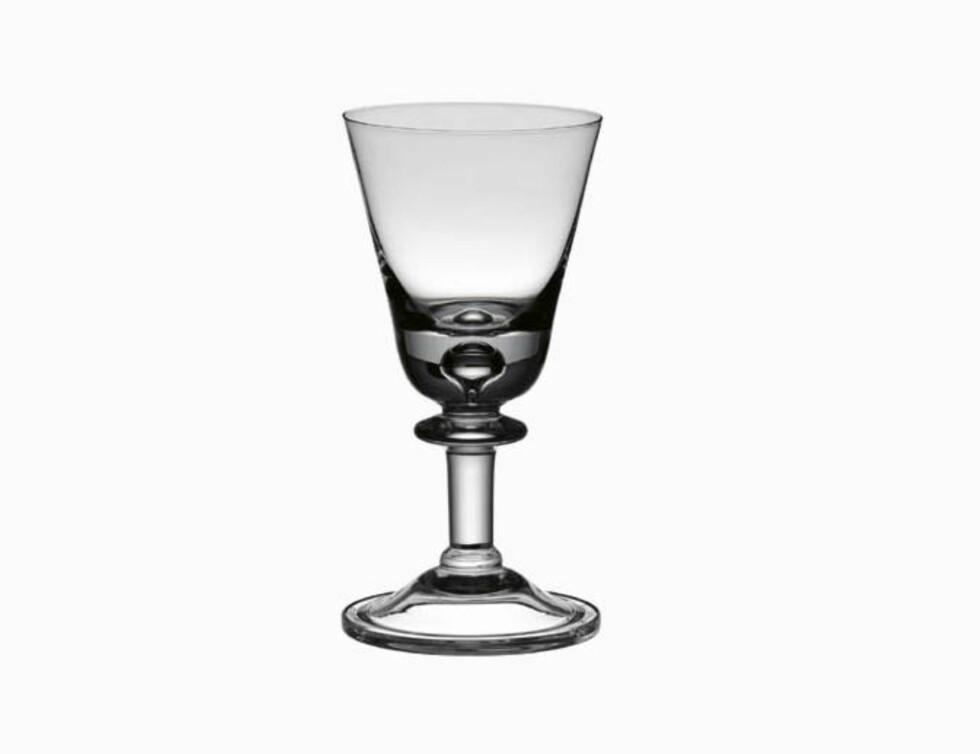 Rødvin- og ølglasset «Tangen», designet av Willy Johansson i 1958 (kr 350, Hadeland Glassverk).