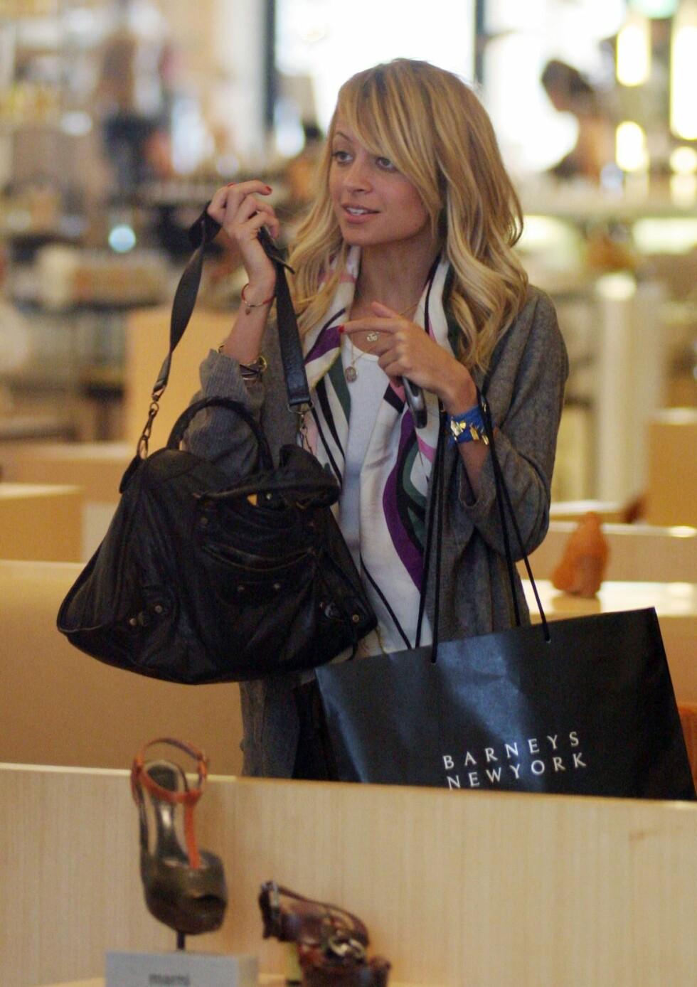 Nicole Richie på Barneys i New York.