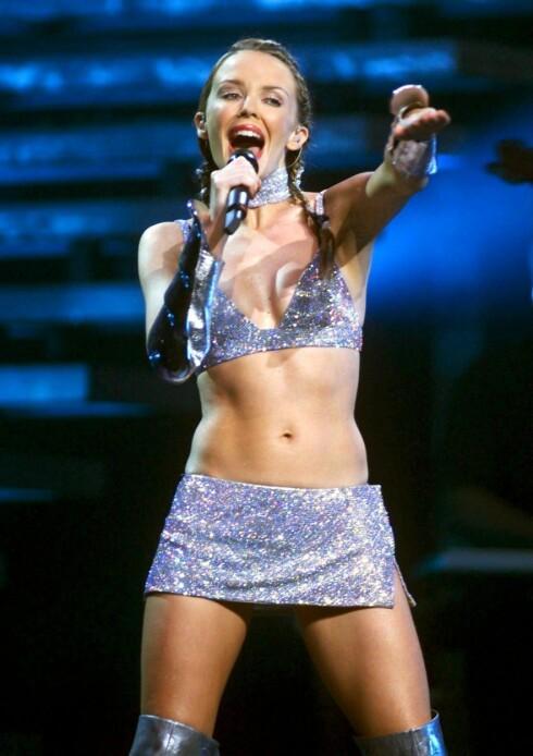 Ingen tvil om at Kylie Minogue er både liten og nett. Hun holder seg sprek og slank blant annet ved å danse ballett.