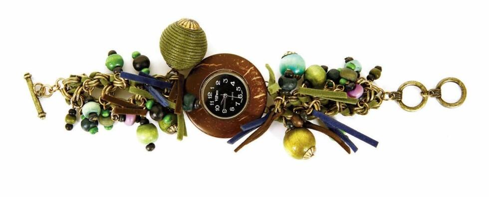 Klokkesmykke (kr 540,Vip & Co Accessories).
