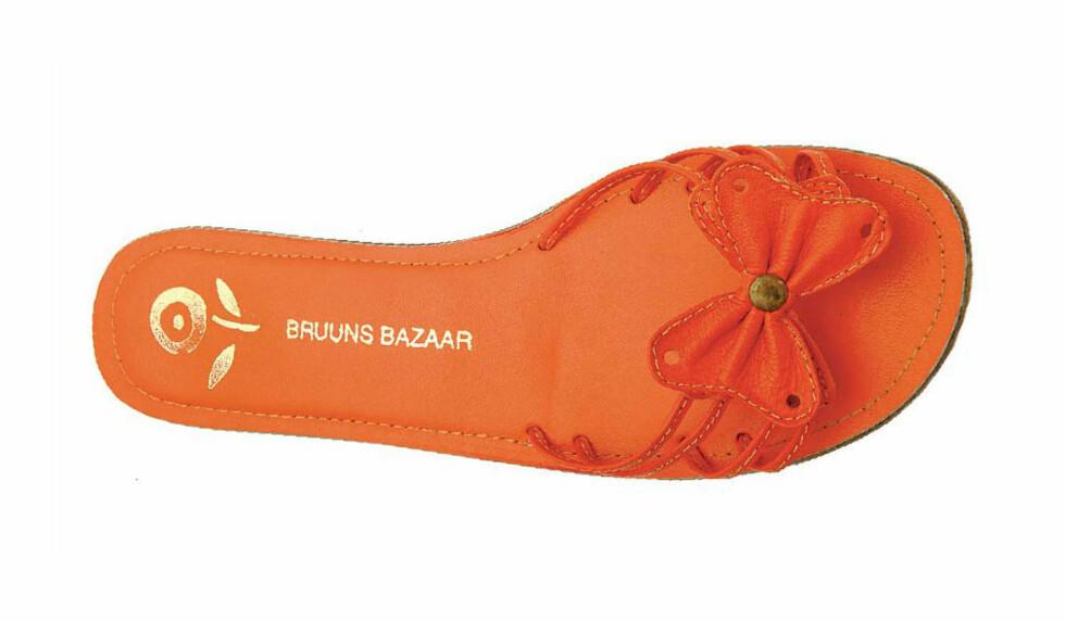 Flat og enkel med sløyfe(kr 600, Bruuns Bazaar).
