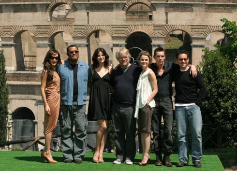J.J. Abrams (lengst til høyre) sammen med stjernelaget fra Mission Impossible III.