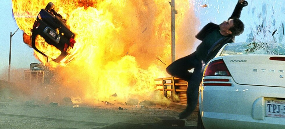 Biler sprenges, ting eksploderer og folk løper for livet: Tom Cruise er tilbake i actioneventyret Mission Impossible III. Foto: Promo
