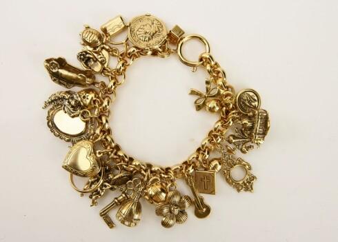Smykk deg i gull med lekre gullarmbånd.  (kr 2000, Accanto)