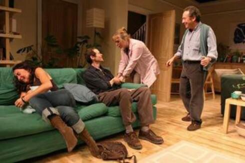 Som i alle jødiske familier er det mye drama i familien London-publikumet treffer i Mike Leighs Two Thousand Years.