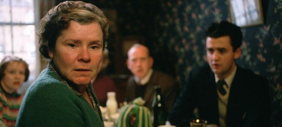 Mike Leighs forrige film, Vera Drakes hemmelighet ble nominert til en rekke priser, blant annet Oscar og BAFTA.
