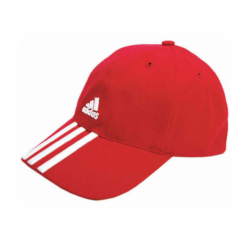 Kul caps - alle kjendisene bruker caps på veien til og fra trening (kr 250, Adidas)