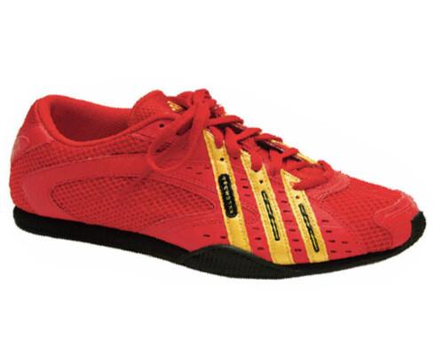 Gode sko som både er trendy og bra til travle dager (kr 500, Adidas/Feet Me).