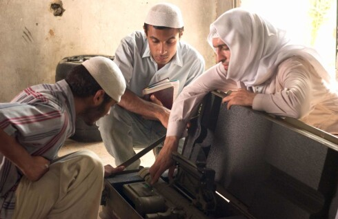 Imponerer: Mazhar Munir (midten) gjør en fantastisk rolle.