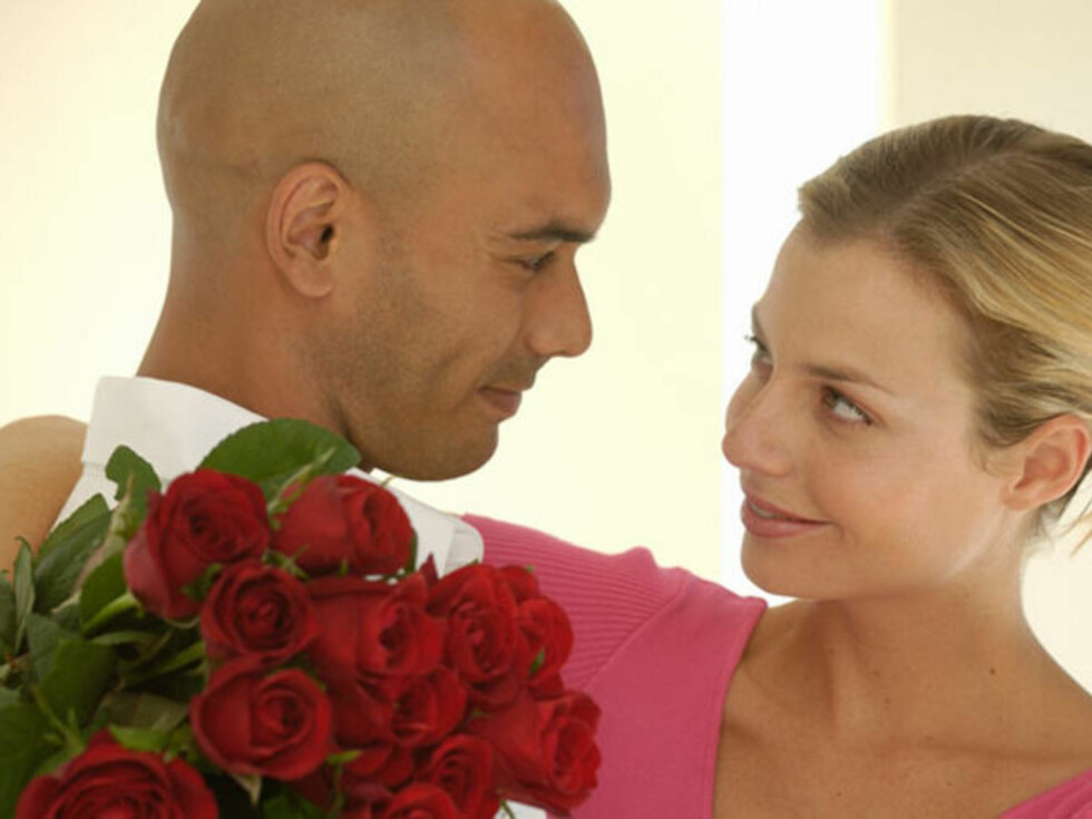 Røde roser er som regel en sikker vinner. Illustrasjonsfoto: Image Source/AOP Foto: Image Source/AOP