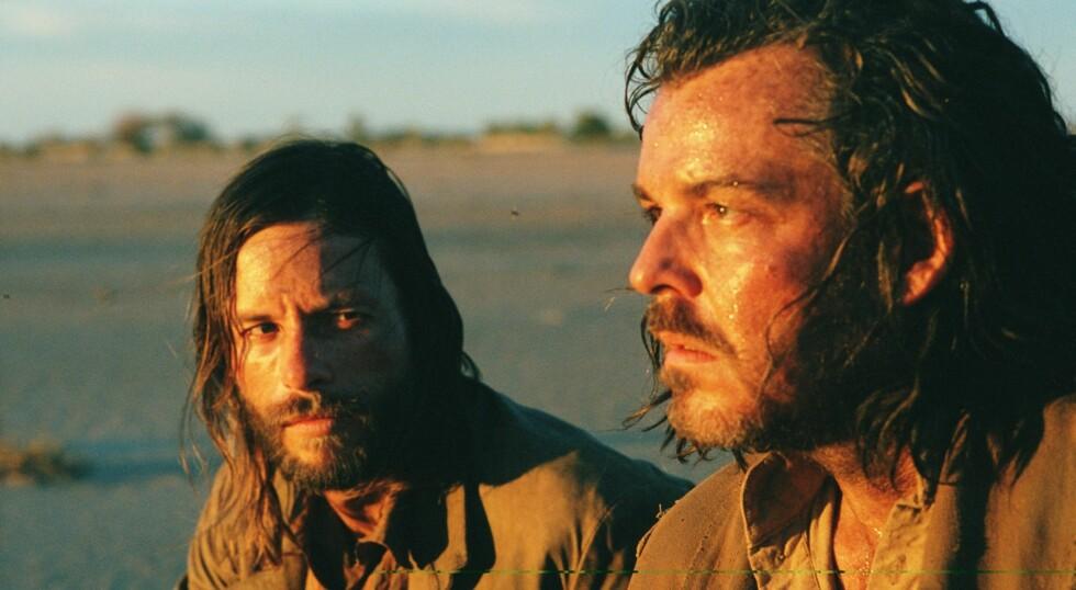 Nick Cave har i filmen vendt tilbake til et tema han også tidligere har dvelt ved, nemlig forholdet mellom brødre, her spilt av Guy Pearce og Danny Huston.
