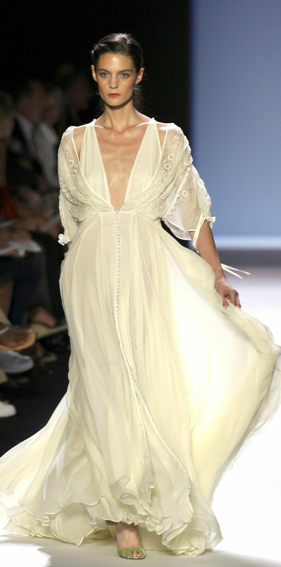Velkledd i kjole & hvitt