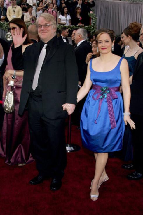 Philip Seymour Hoffman med kona Mimi O'Donnell. Han vant Oscar for beste mannlige skuespiller i Capote, som han også vant en Golde Globe for.