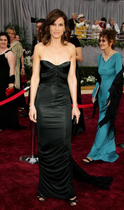 Nyskilte Hilary Swank kom alene. Hun vant Oscar i fjor med Million Dollar Baby. Hun vant også med Boys Don't Cry for seks år siden.