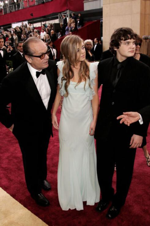 Jack Nicholson med barna Lorraine og Raymond. Jack har vunnet tre av de 12 Oscar-statuettene han har vært nominert til.