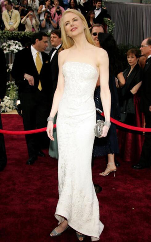 Nicole Kidman var som alltid kjølig elegant i alabastfarget Balenciaga-kjole. Smilet hennes virker også mer og mer påtatt for hvert år, noe mange mener skyldes mislykket plastisk kirurgi. Australieren vant Oscar for The Hours i 2003.