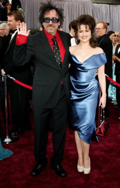 Regissør Tim Burton har visst adoptert frisyren som kona Helena Bonham Carter hadde i hans film  Charlie og sjokoladefabrikken.Som igjen trolig var inspirert av Johnny Depps frisyre i Burton-filmen Edvard Saksehånd. Helena fikk også kritikk for kjolevalget.