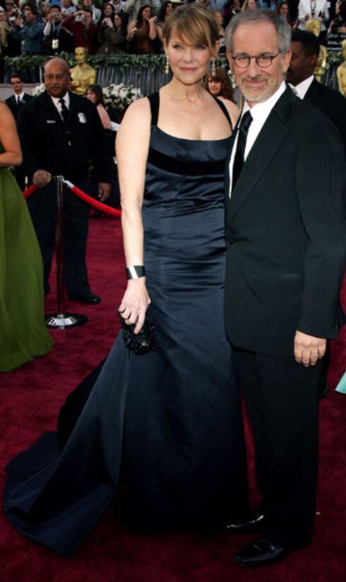 Regissør Steven Spielberg med kona Kate Capshaw. Han gikk tomhendt hjem etter at regi-Oscar gikk til Ang Lee. Spielberg var nominert for München. Han har allerede to Oscar for Saving Private Ryan og Schindlers liste.