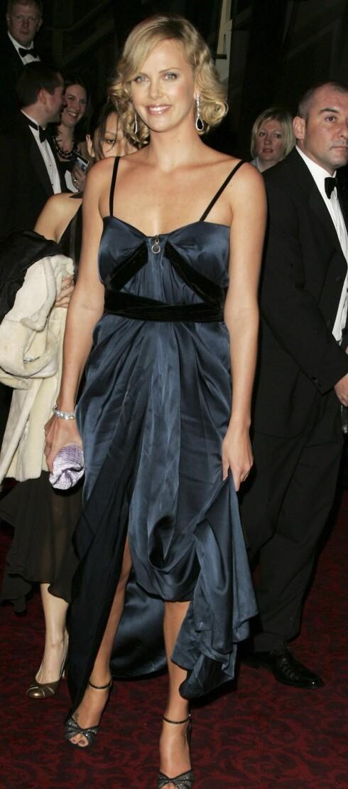 BAFTA-prisen for beste kvinnelige skuespiller i North Country glapp for Oscar-vinner Charlize Theron.