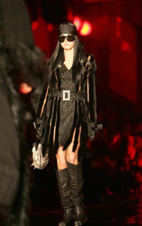 Christian Dior ser svart