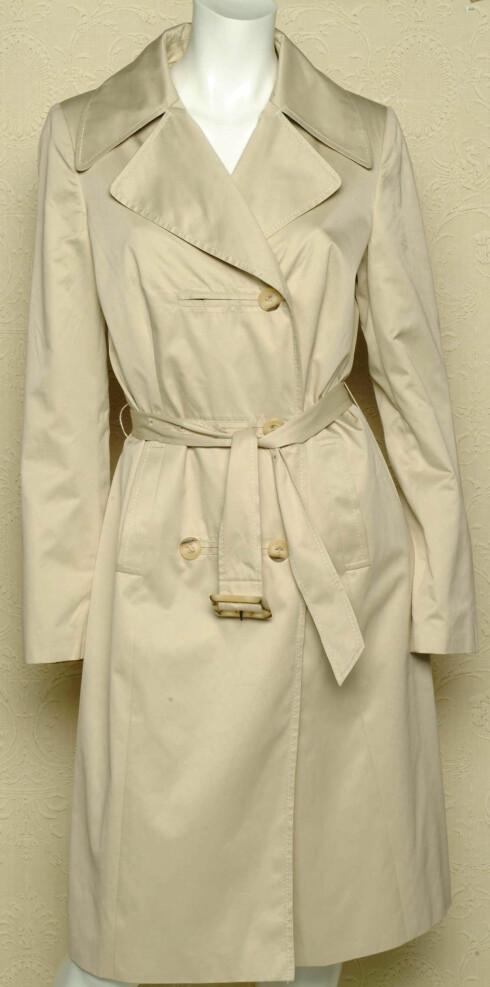 Filmdetektivene på 70-tallet brukte trenchcoat og bidro sterkt til dens popularitet.  (kr 1199,Pop In)