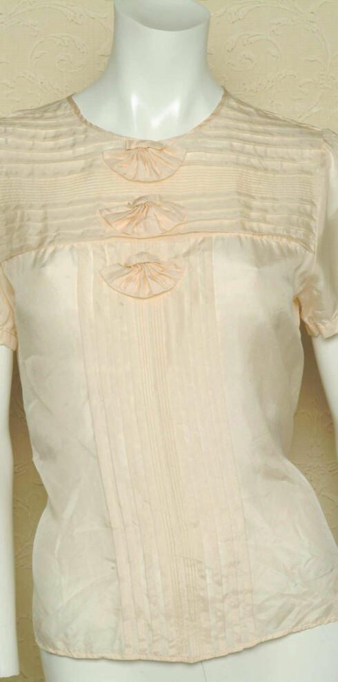 Romantisk silketopp (kr 850,Malene Birger)