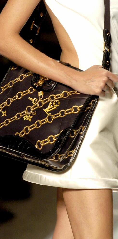 Veske fra Louis Vuitton. Legg merke til motivet.