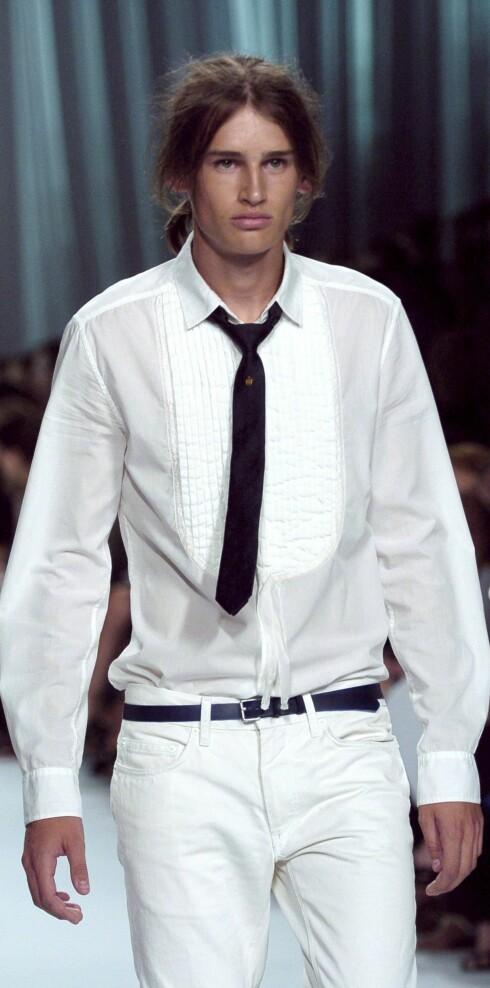 Menn er fortsat stilige med slips! Givenchy vår- sommer 2006