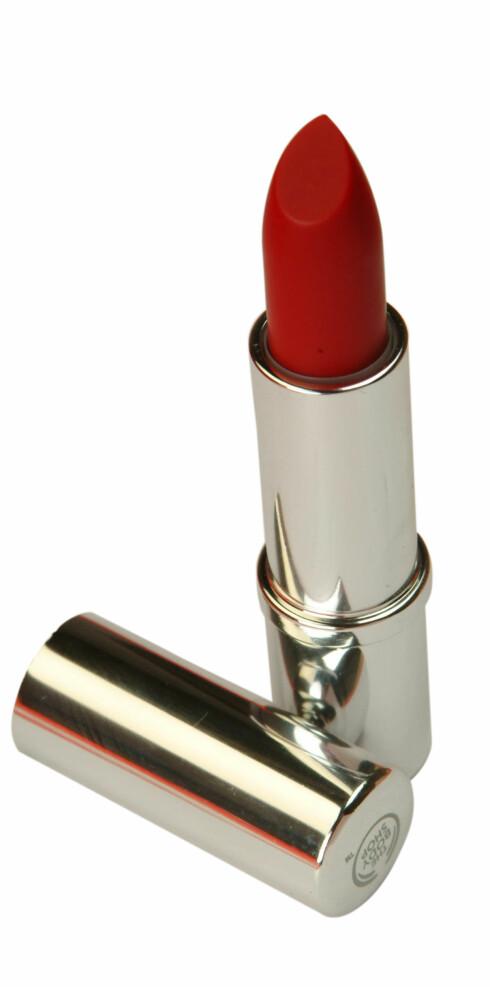 Rød leppestift (kr 110, The Body Shop)