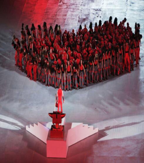 Et pulserende hjerte bestående av rødkledde menneskekropper var et høydepunkt.